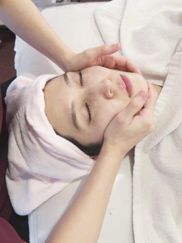 コルギとエステティック技術を融合した骨美導法で歪み改善&横顔美人に♡立体的な小顔造り( *´艸`) イメージ